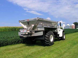 New Leader Fertilizer & Lime Spreader